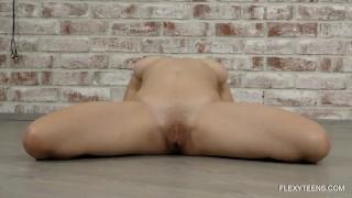 Erotic gymnastics by Gadky